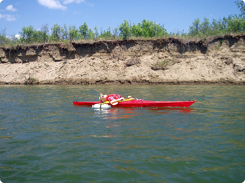 kayak sandy shore